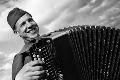 Дань традиции или истинная любовь к музыкальному инструменту